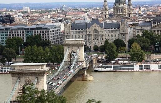 Macaristan'da, BUDA ve PEŞTE'de Nazım'ın izindeyim…