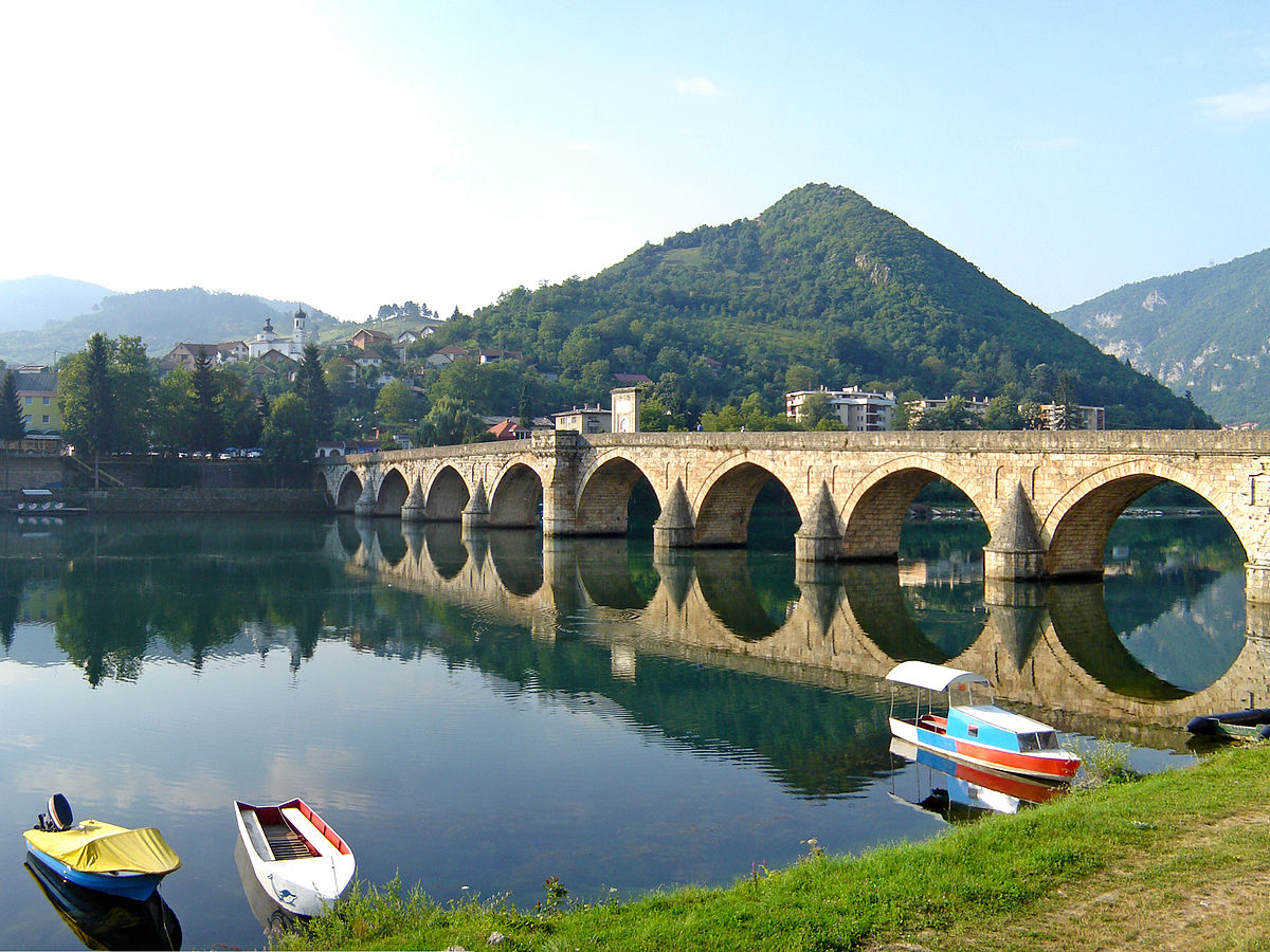 1200px-Bridge_on_the_Drina_July_2009