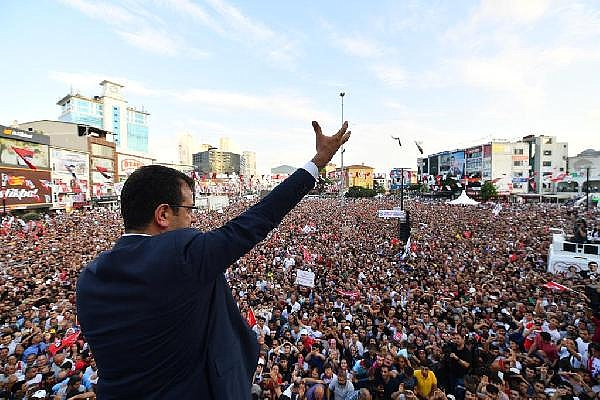 Asrın ve kentin isyanı: İstanbul Çığlığı (şiir)